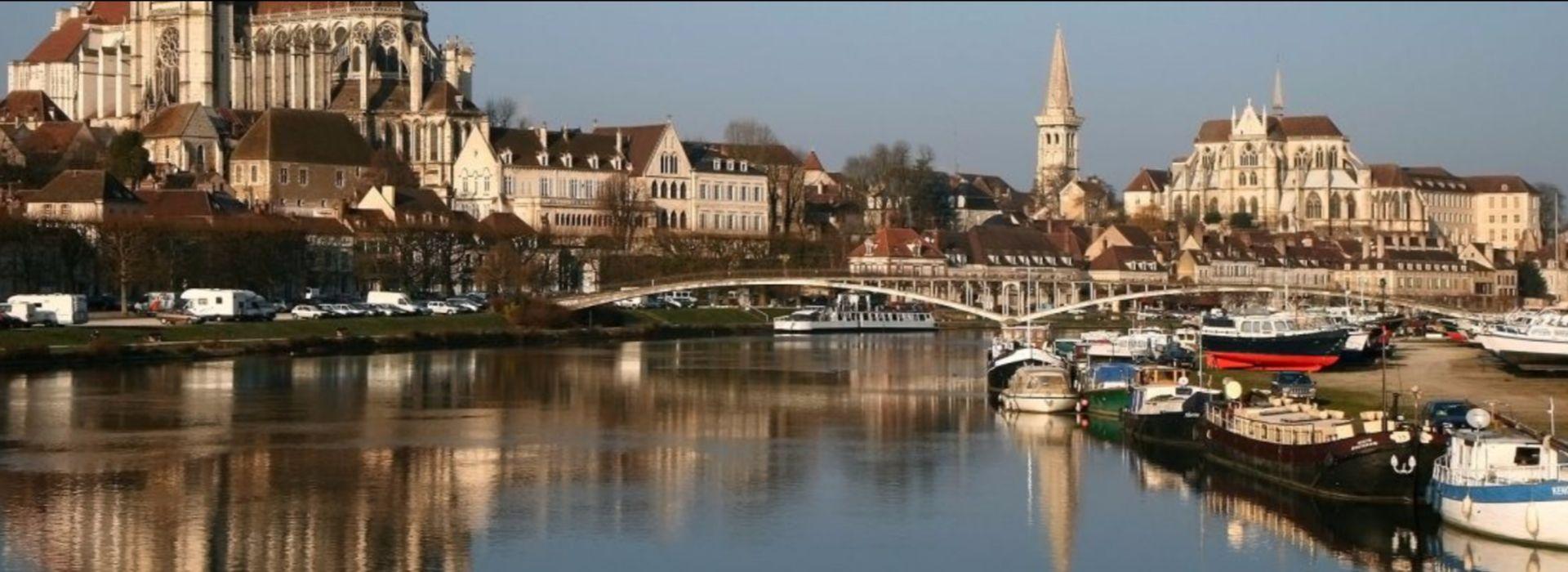L'ADMR de l'Yonne vous simplifie la vie : Garde d'enfants, soins infirmiers, petits bricolage, ...